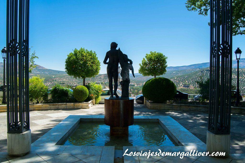Escultura de Ganímedes en priego de Córdoba- Los viajes de Margalliver